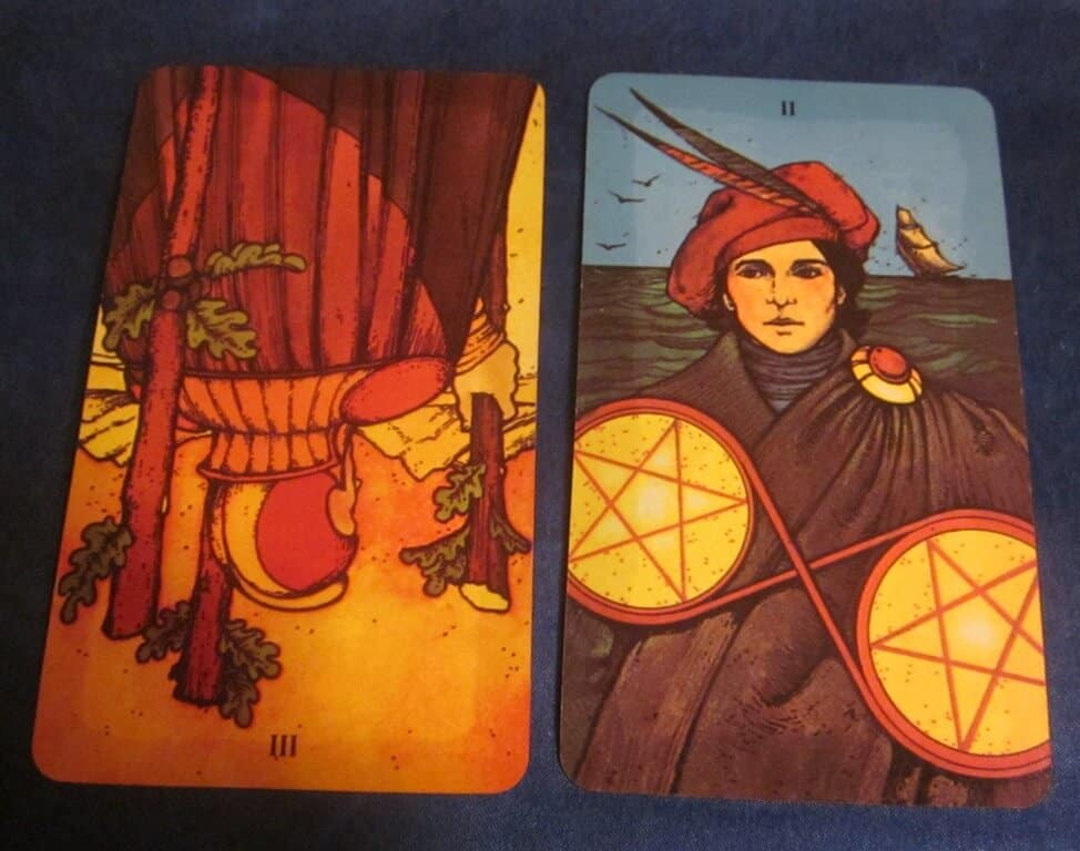 Everyday Tarot, 07/10/11: You're Not Missing Anything | 3 Wands Rev, 2 Pentacles 1