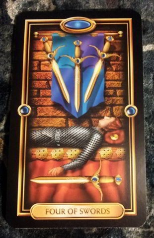 4-of-swords-gilded-tarot